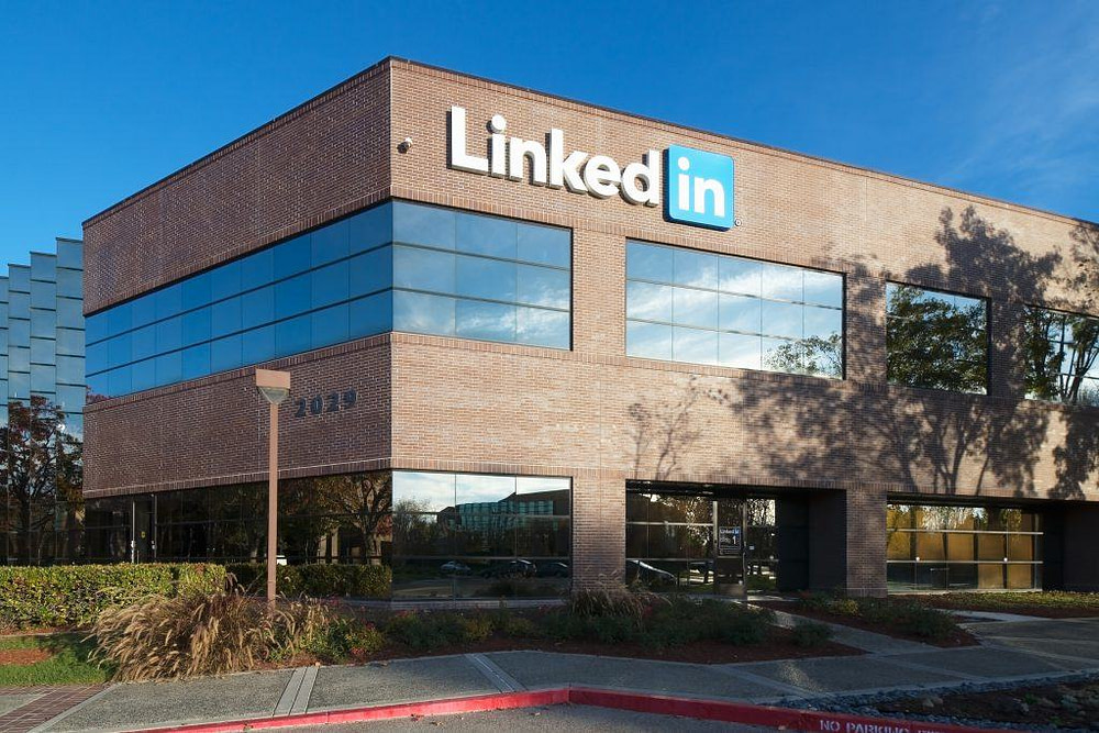 LinkedIn can quietly tell headhunters you want a new job